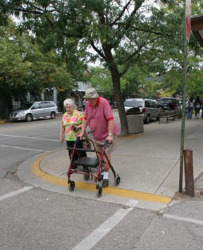 Seniors Crossing, image by Dan Burden, http://www.pedbikeimages.org